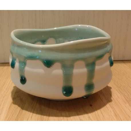 Tazza Matcha_bianca con gocce azzurre